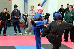 kids doing kickboxing